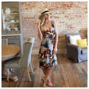 Infinity Raine Dresses - ✨LAST ✨Tropical print wrap dress